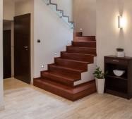 Konserwacja schodów i podłóg drewnianych