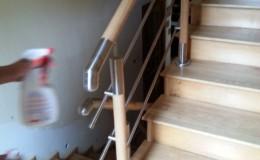 Schody drewniane – tralki metalowo-drewniane