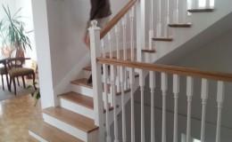 schody_debowe_tralki_biale_3
