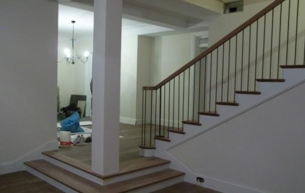 Schody dębowe – stopnie olejowane, balustrada typu angielskiego